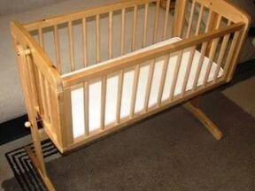 Деревянная люлька для новорожденных