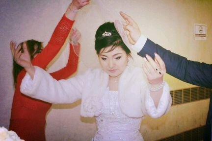Свадебные платья объявление продам