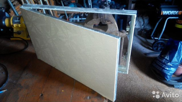 Алюминиевый лючок невидимка в гипсокартон