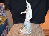 Фарфоровая статуэтка Хозяйка Медной горы.Дулево