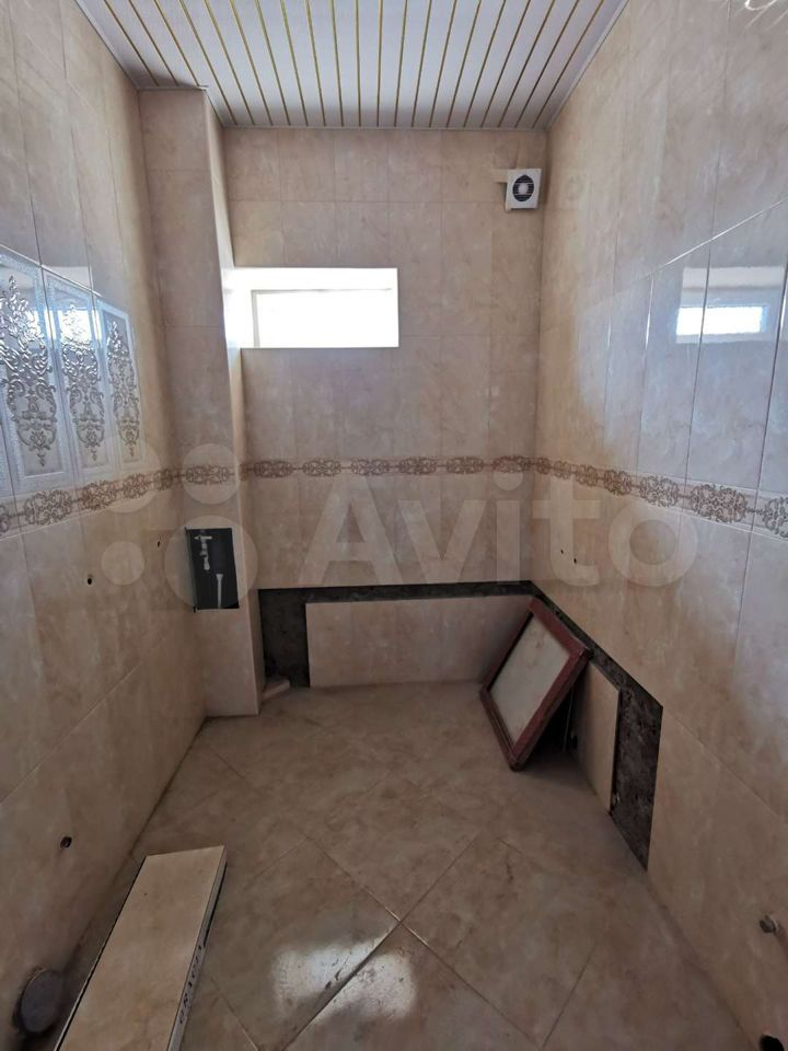 3-room apartment, 95 m2, 3/5 floor.  89094867676 buy 3