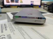 Apple iPhone SE 32Gb Gold и Space Gray